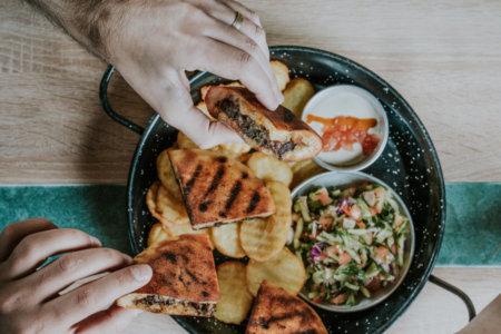 מסעדת אלבי – בר אוכל ים תיכוני